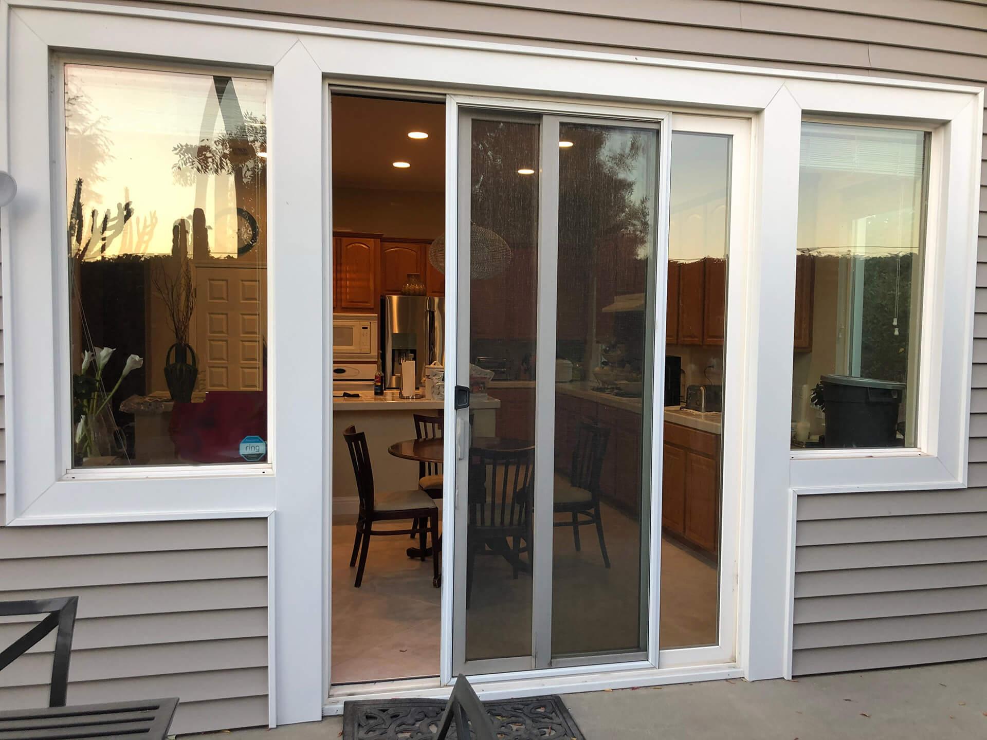www.amazon.com/Magnetic-Screen-Door-Retractable-Magnets/dp/B01ESSA9VO/